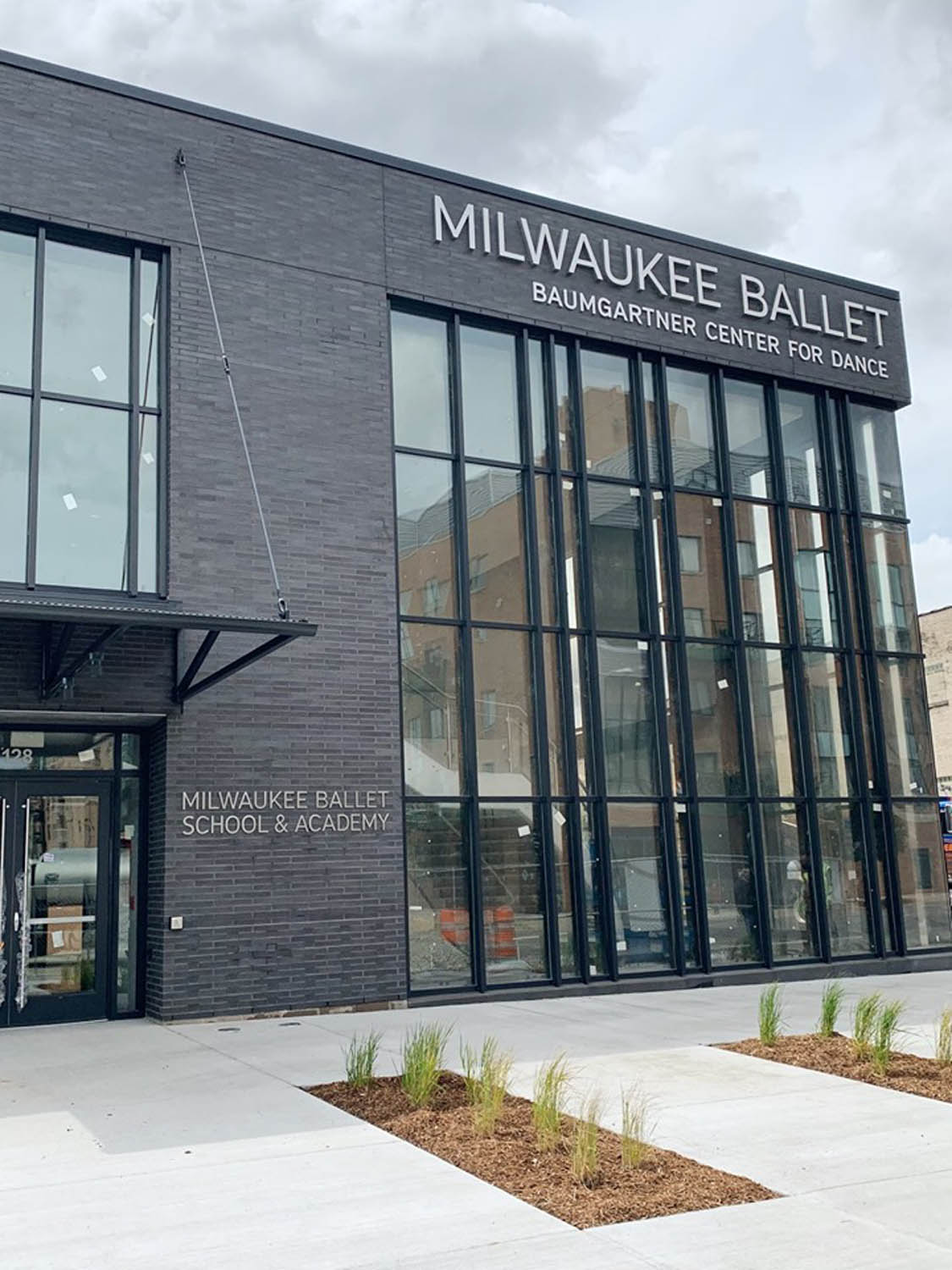 Milwaukee ballet building